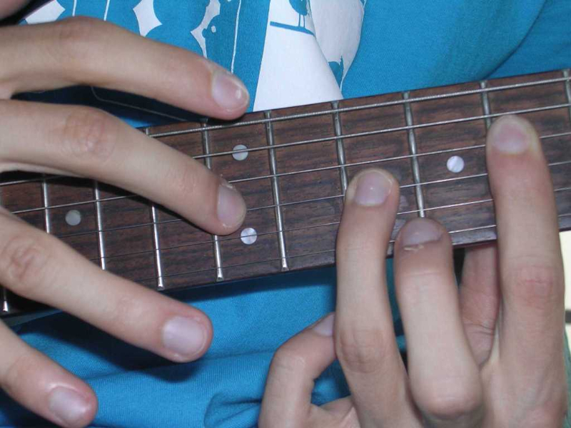 tapping_guitar